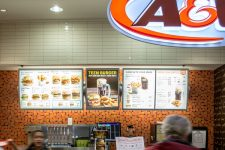 A&W Wall Glass Tile in Victoria